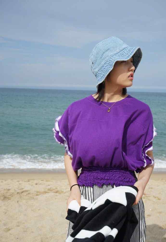 张子枫海边小清新写真图片