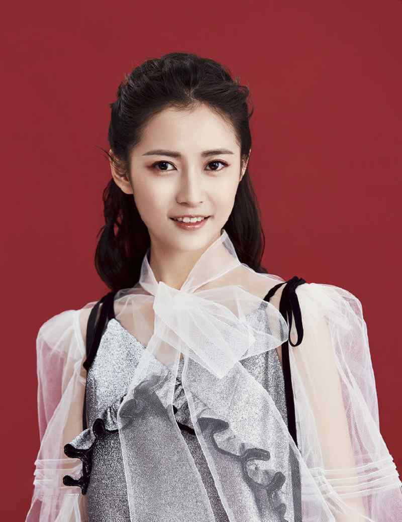 陈钰琪活泼俏皮时尚美妆写真