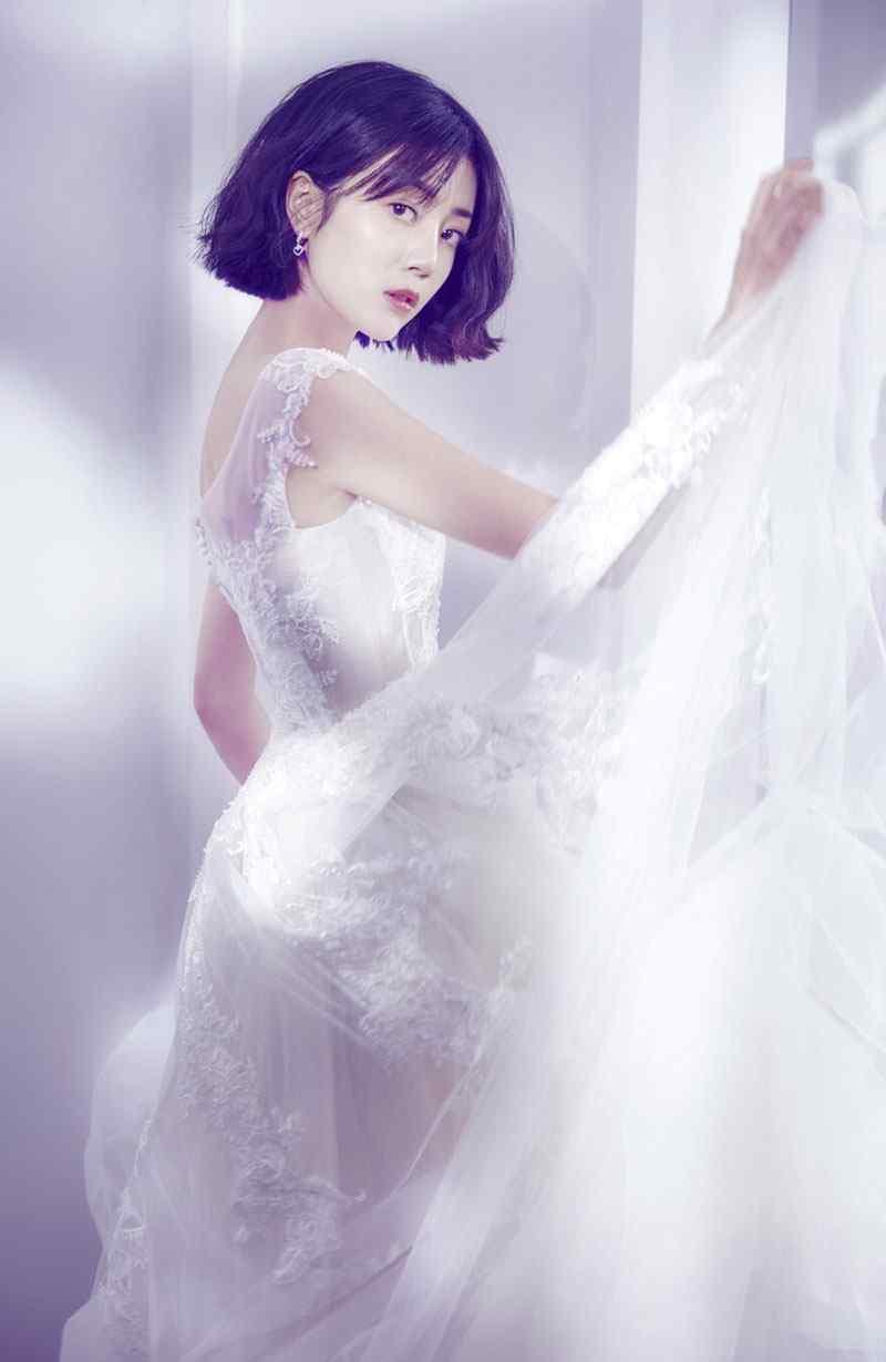 李溪芮超美时尚杂志封面写真大片