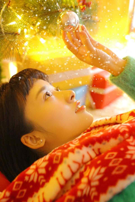 沈月圣诞节俏皮可