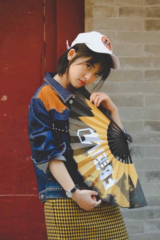 沈月街拍时尚手机壁纸