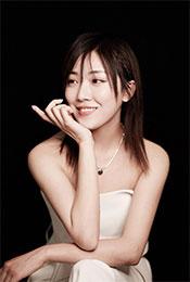 菅纫姿唯美笑容优雅仪态高清写真图片