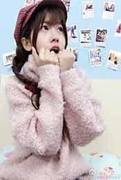 賴美雲(yun)雙手抱拳吃驚高清唯美壁紙圖片