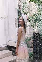 安悦溪白色长裙回眸一笑超清唯美手机壁纸图片