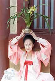 安悦溪《颤抖吧,阿部!》古装头顶花盆超清可爱剧照图片