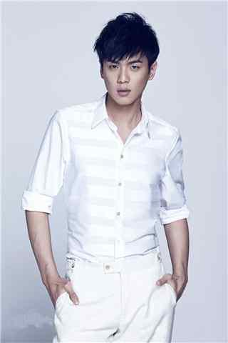 张若昀青花瓷白衬衫手机壁纸