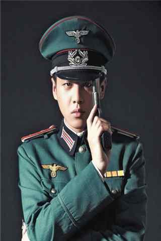 张若昀雪豹坚强岁月饰演周卫国手机壁纸