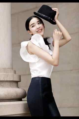 阚清子黑白搭配知性时尚拍摄手机壁纸
