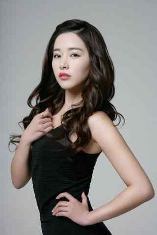 阚清子时尚大气优雅黑色礼服红唇手机壁纸