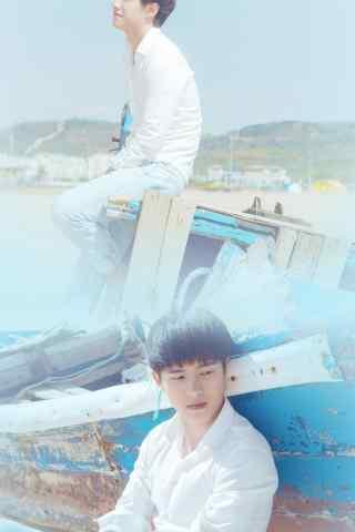 95后人气鲜肉刘昊然海边清新帅气写真手机壁纸