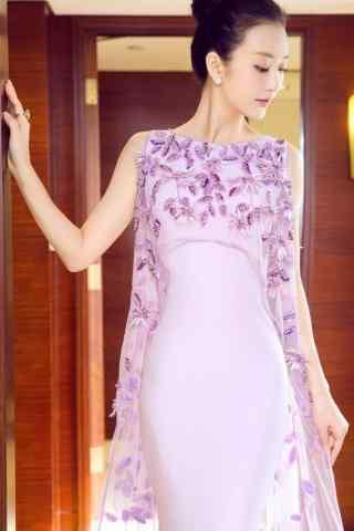 王鸥甜美紫色长裙手机壁纸