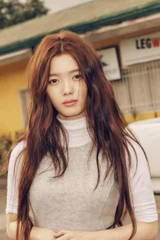 韩国美少女金裕贞写着图片手机壁纸之青春烂漫