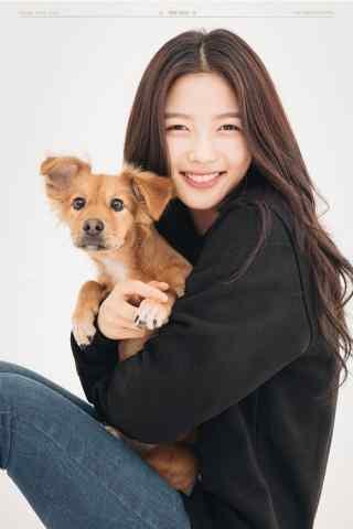 韩国美少女金裕贞写着图片手机壁纸之天真笑容
