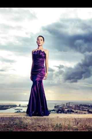 马苏优雅紫色长裙手机壁纸