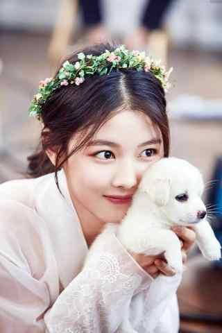 美少女金裕贞和狗狗可爱图片手机壁纸