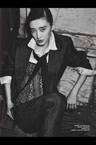 王丽坤帅气黑白写真图片手机壁纸