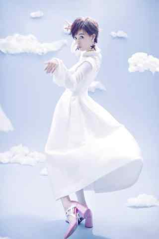 孙俪白色优雅长裙