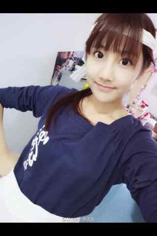 美女明星李艺彤可爱日常照