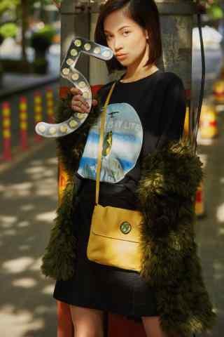 水原希子时尚街拍手机壁纸