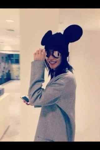 王菲可爱米老鼠头饰个性图片手机壁纸