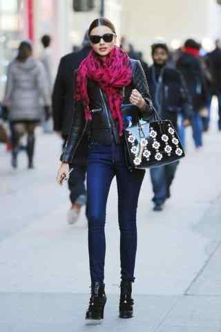维密模特米兰达可儿时尚造型街拍图片