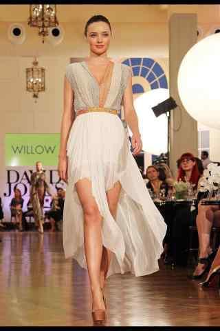米兰达可儿时尚气质走秀图片
