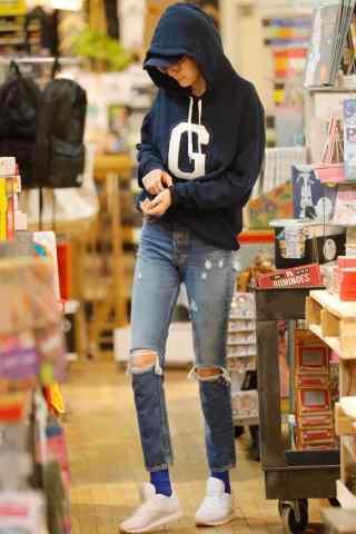 超模gigi购物日常时尚街拍图片