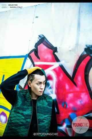秦俊杰时尚街拍嘻哈手机壁纸
