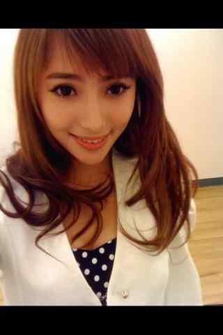 刘萌萌自拍图片手机壁纸