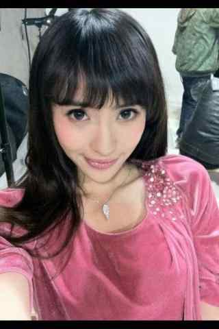 刘萌萌甜美自拍手机壁纸