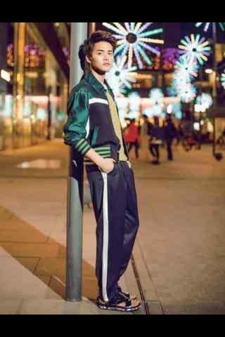 马天宇时尚街拍手机壁纸