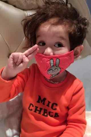 带着小口罩的jackson周嘉诚手机壁纸