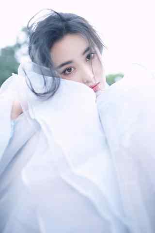 甜美白衣少女张馨