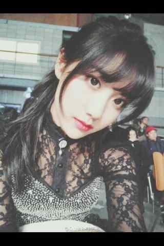 SNH48李艺彤精美脸庞手机壁纸