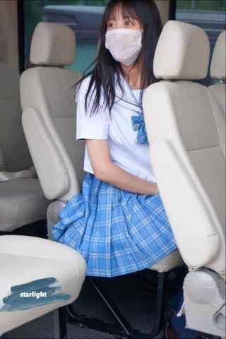 李艺彤可爱的jk制服小姐姐手机壁纸