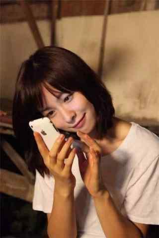 江一燕短发手机壁纸
