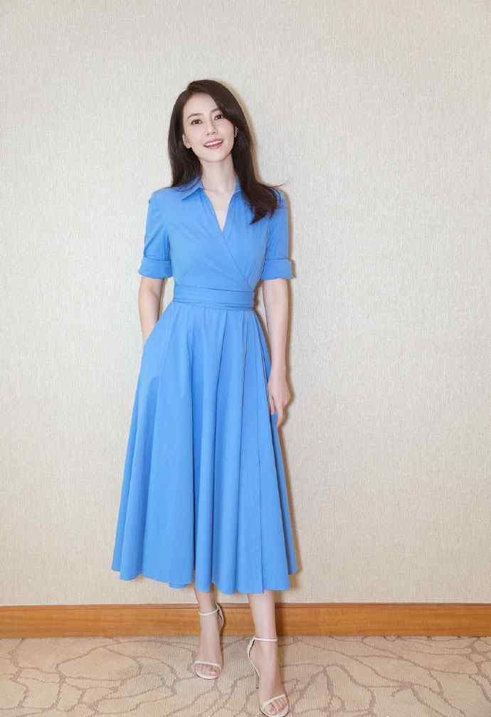 高圆圆蓝色长裙简约优雅写真图片手机壁纸
