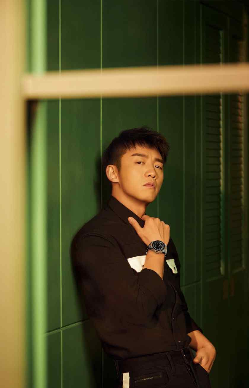 郑恺魅力型男时尚杂志写真图片