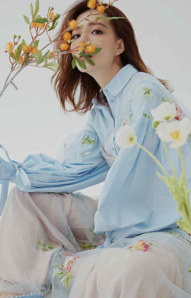 徐璐清新甜美春季写真图片