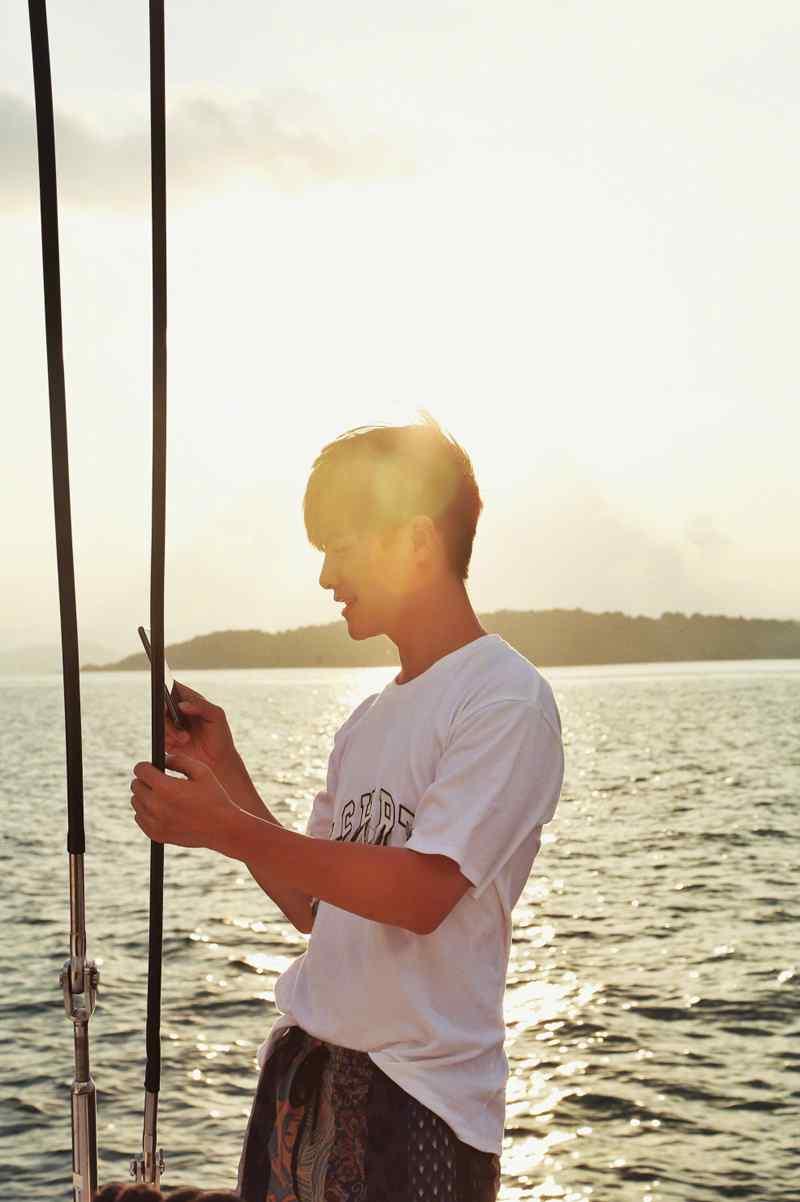 马天宇清爽帅气海上旅行写真照片