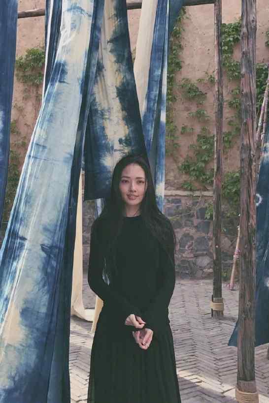 郭碧婷古北水镇街拍写真图片
