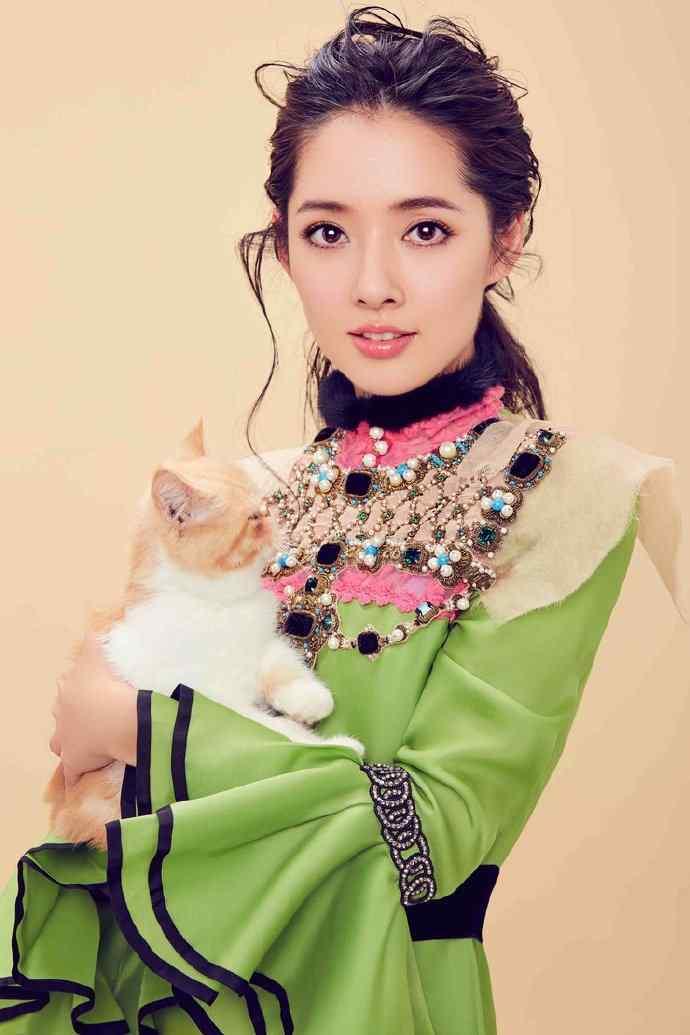 郭碧婷时尚帅气写真图片