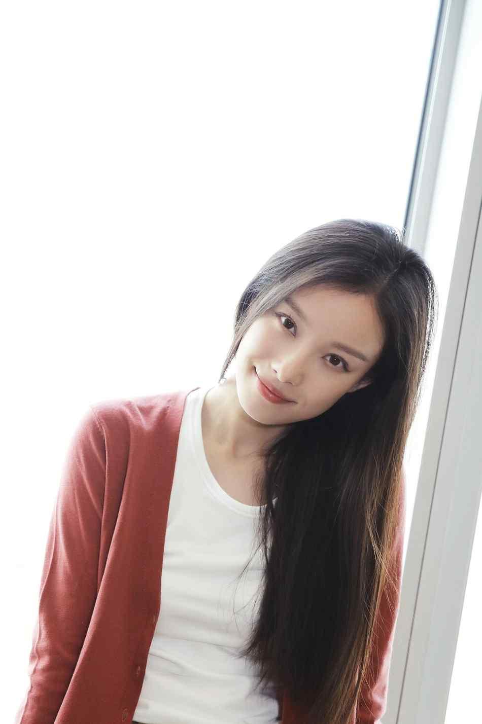 倪妮秋冬杂志写真手机壁纸
