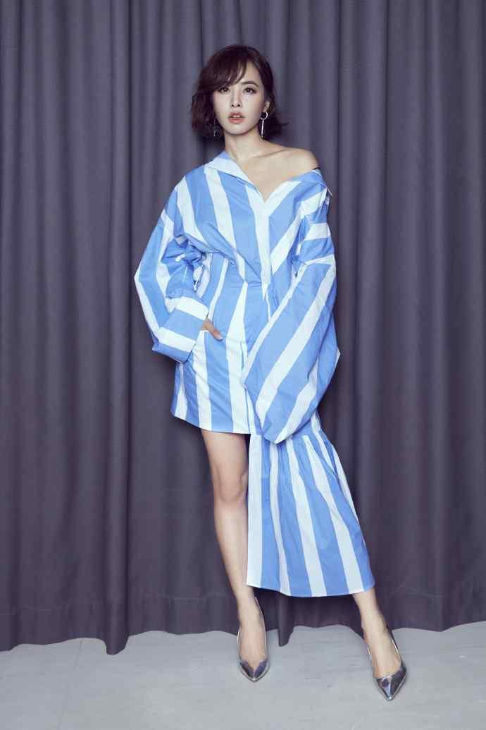 蓝白条纹衫性感写真蔡依林高清图片