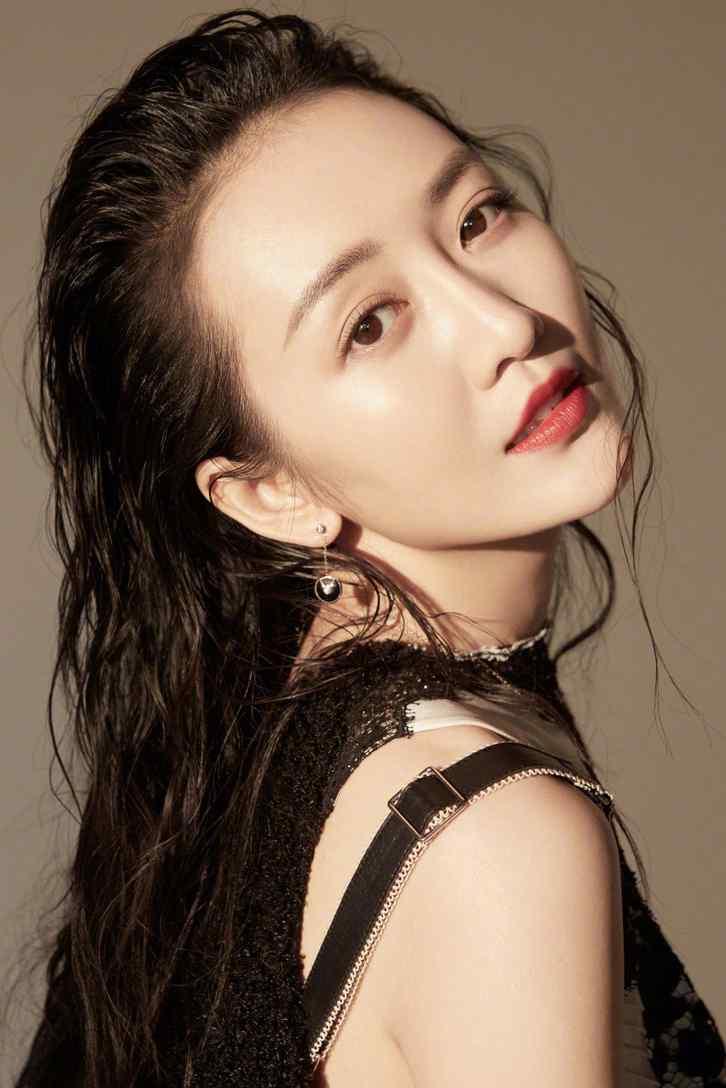 王鸥炫酷造型时尚写真