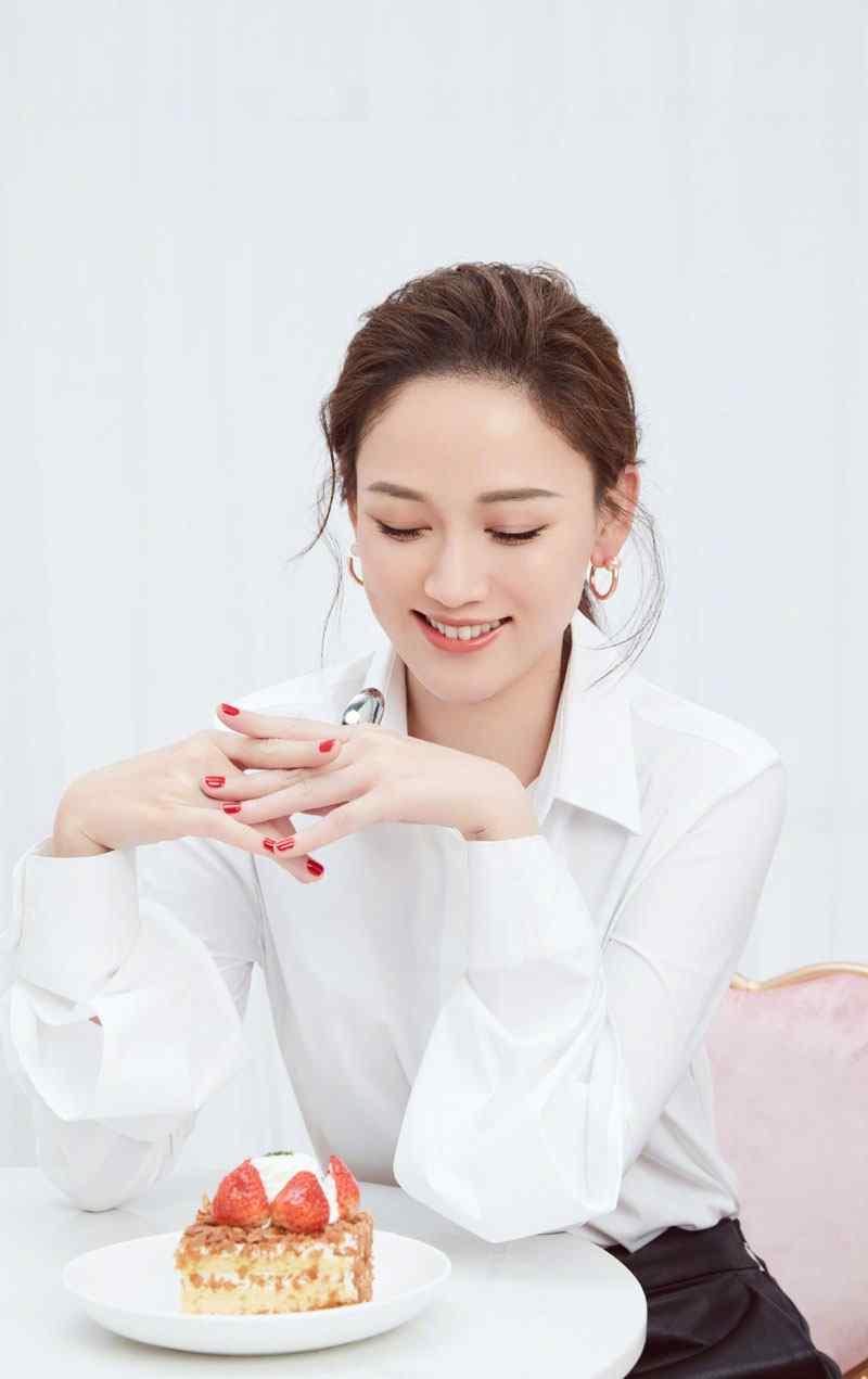 陈乔恩最新时尚杂志封面写真