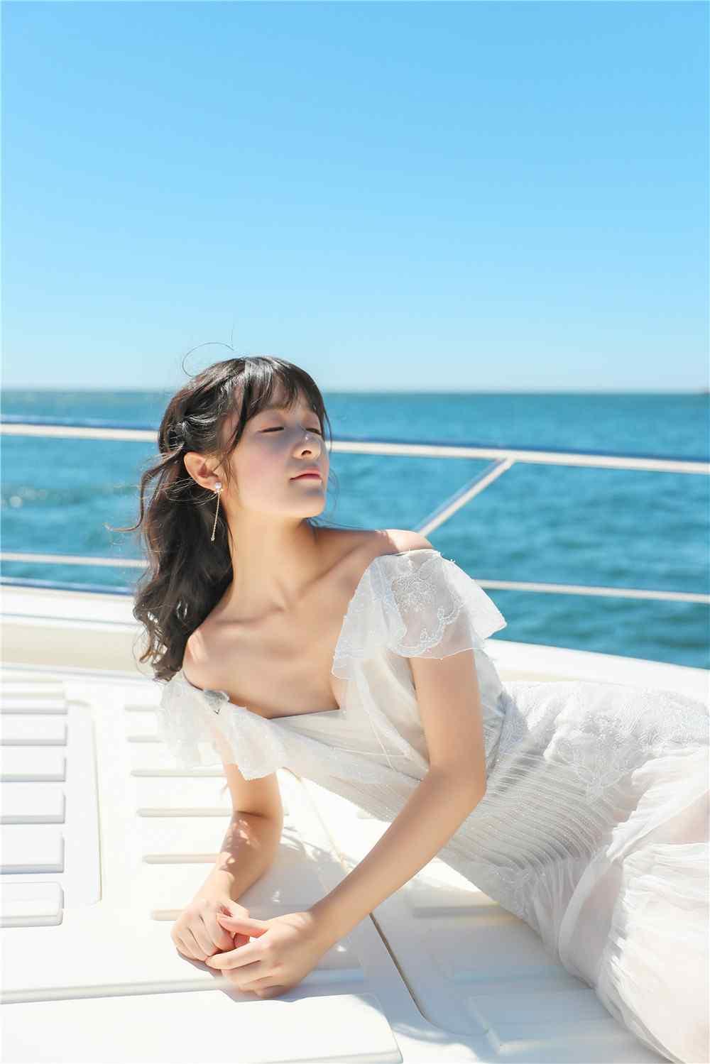 徐娇性感唯美迷人抹胸裙海上写真手机壁纸