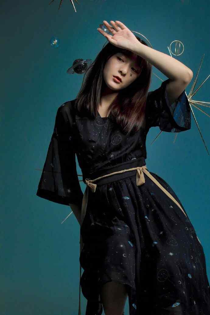 徐娇黑色薄纱长裙性感手机壁纸