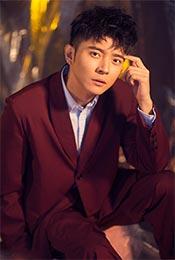 张丹峰帅气红色西装写真图片
