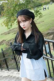 宋妍霏清新可爱公园街拍写真图片